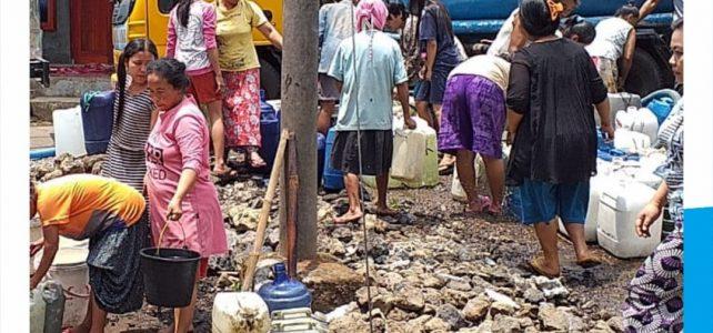 Pengiriman Air Bersih Terus Dilakukan.